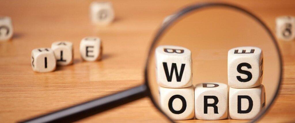 Những mẫu câu nào sẽ giúp bạn ăn điểm Writing task 1 dễ dàng hơn?