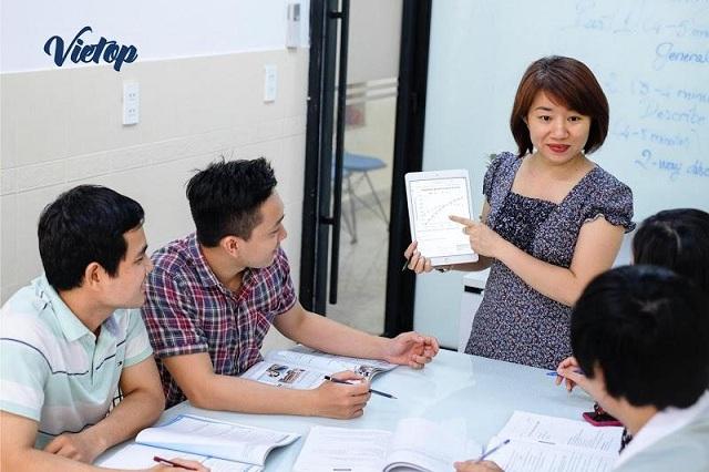 VIETOP trang bị đội ngũ giảng viên chuyên nghiệp, đảm bảo phương pháp dạy tốt nhất